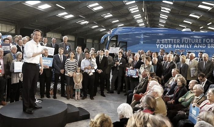 David Cameron Had A Huge Turnout At His Election Rally, Or Did He? (4 pics)