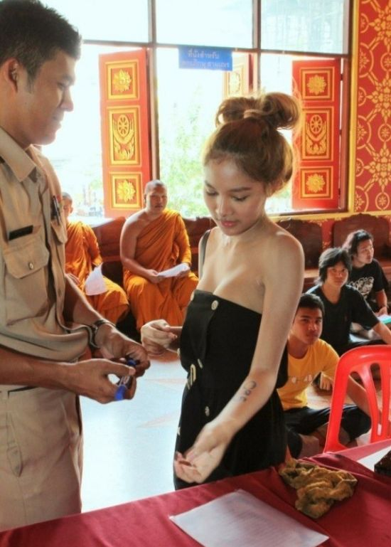 Photos From The Military Recruitment Center In Thailand (29 pics)