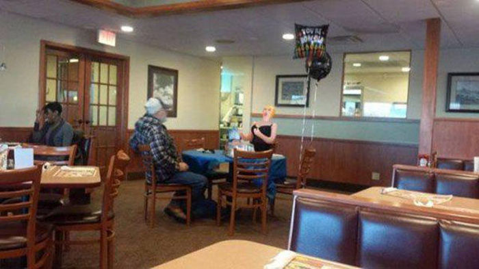People Who Take the Single Life Too Seriously (45 pics)