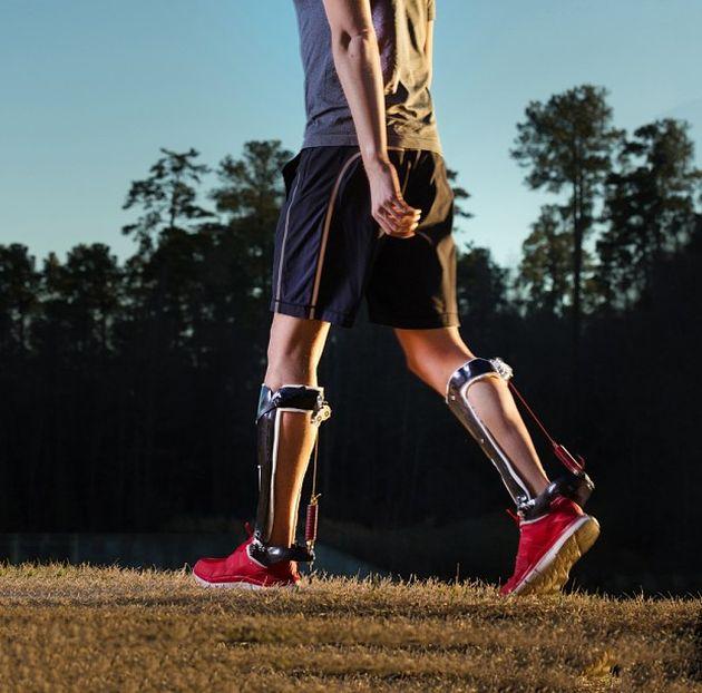 New Exoskeleton Makes Running A Lot Easier (4 pics)
