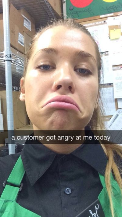 When You Work In Customer Service You Can't Make Everyone Happy (5 pics)