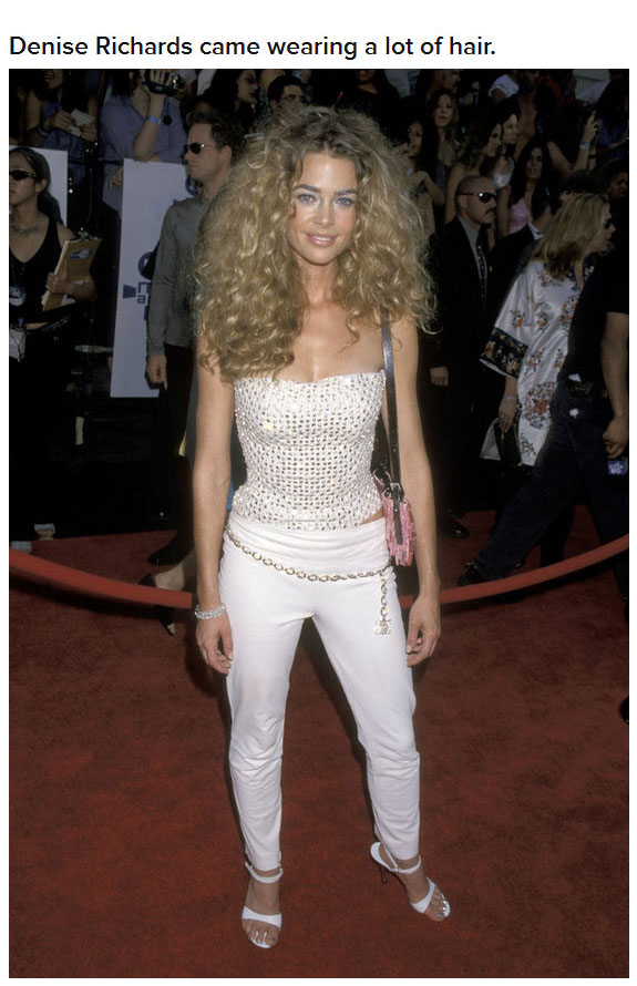 15 Years Ago This Is What The MTV Movie Awards Looked Like (14 pics)