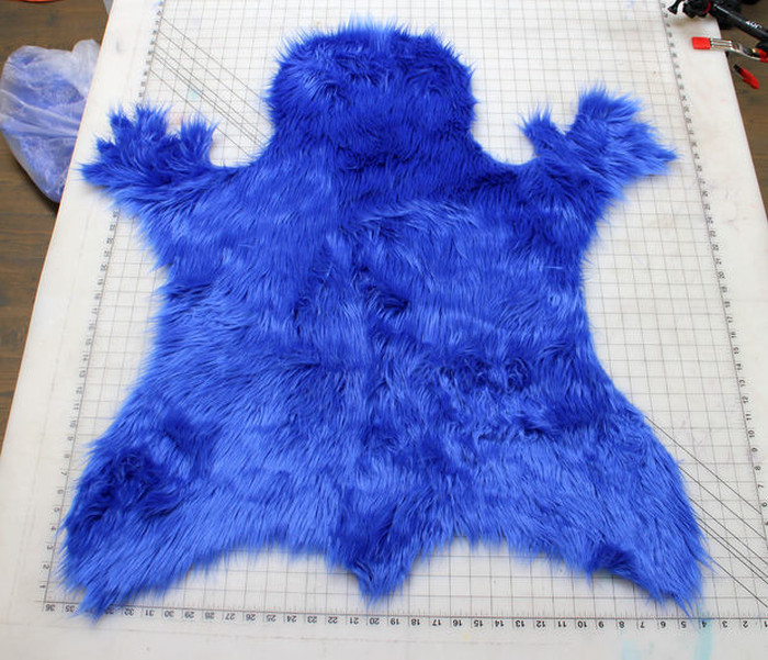 How To Make Your Very Own Cookie Monster Rug (14 pics)