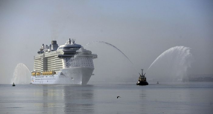 The World's Third Largest Cruise Ship Makes A Grand Entrance (13 pics)
