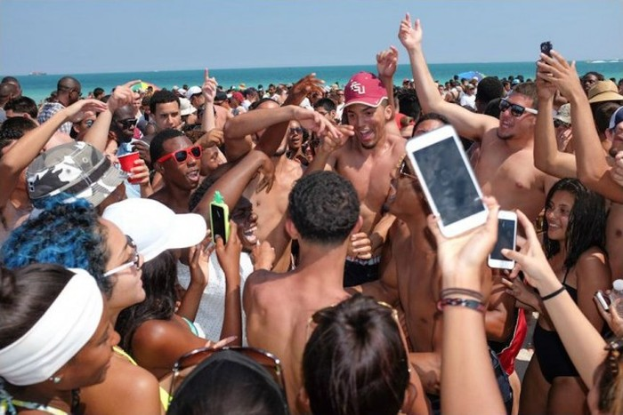 People In Miami Really Know How To Party (29 pics)