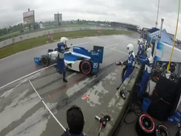 Mechanic Gets Slammed By An Out Of Control Indycar