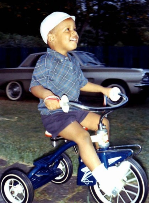 Childhood Pictures Of Famous Celebrities From Back In The Day (28 pics)