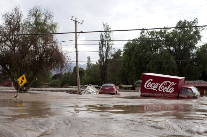 Chaos In Chile After Heavy Rains Flood The Country (19 pics)