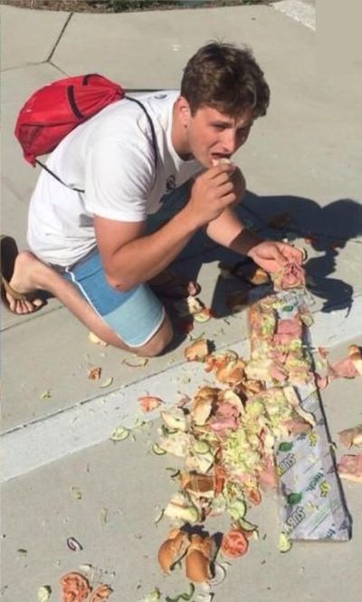 Epic Sandwich Fail (4 pics)