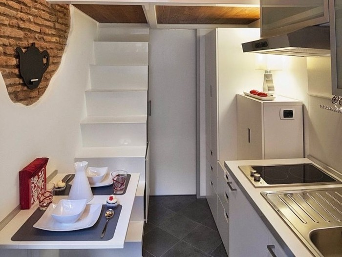 This Tiny Apartment In Rome Has Everything You Need (12 pics)