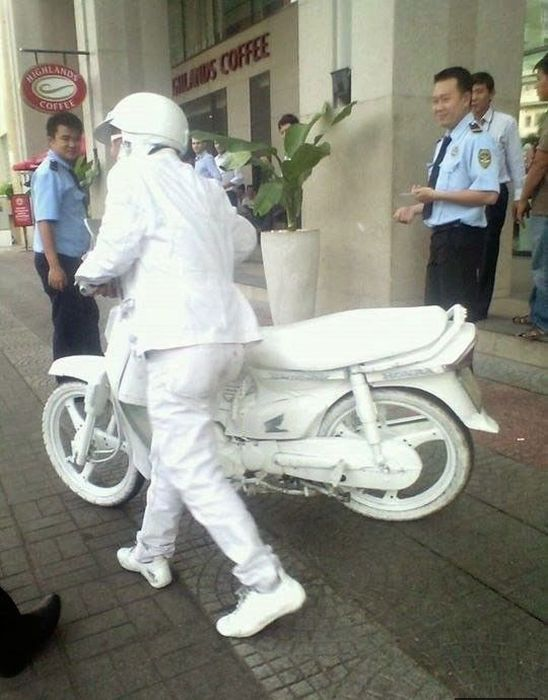Bizarre Sights You're Only Going To See In Asia (89 pics)