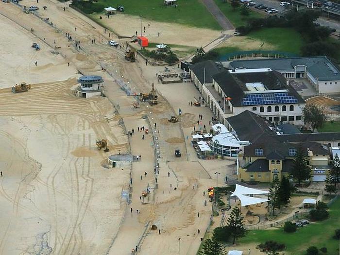 Massive Storms In Sydney Bury Bondi Beach In Sand (6 pics)