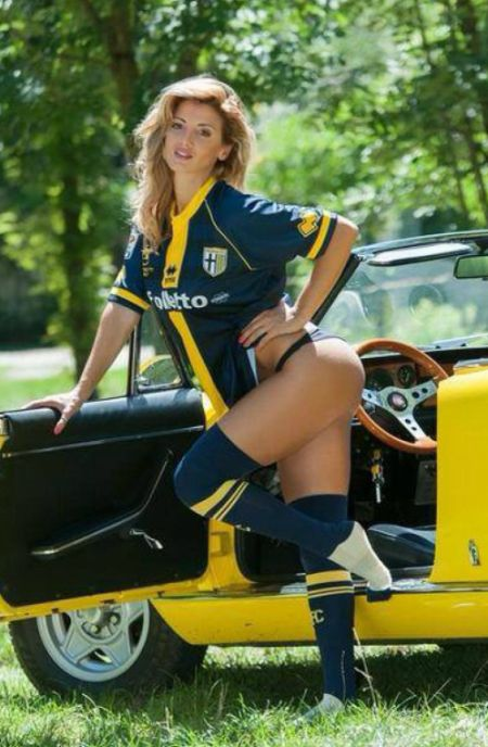 Rosy Maggiulli Promises To Strip If Investors Give Money To Save Parma (19 pics)