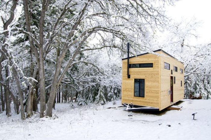 This Wagon On Wheels Is A New Type Of Mobile Home (19 pics)