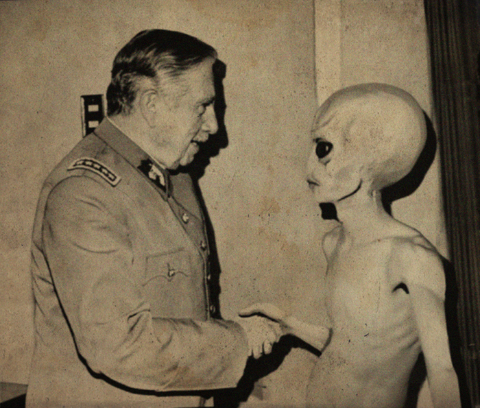 Are These Pictures Of Aliens Real Or Fake? (18 pics)