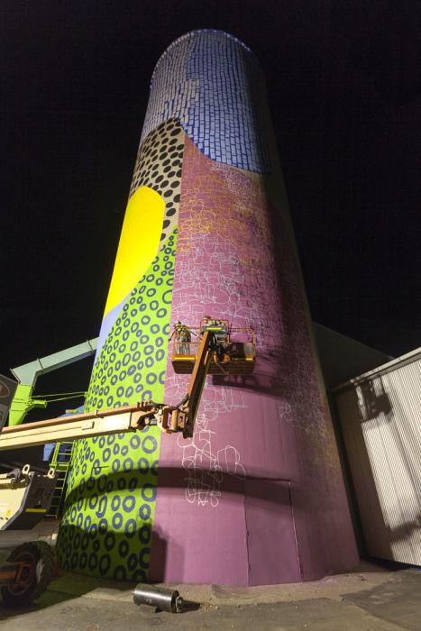 Grain Silos In Western Australia Get A New Paint Job (17 pics)