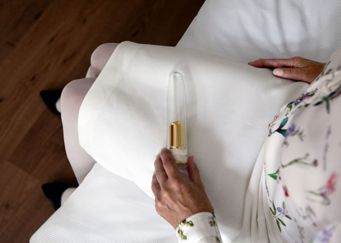 You Can Now Buy A Dildo Filled With The Ashes Of Your Loved One (5 pics)