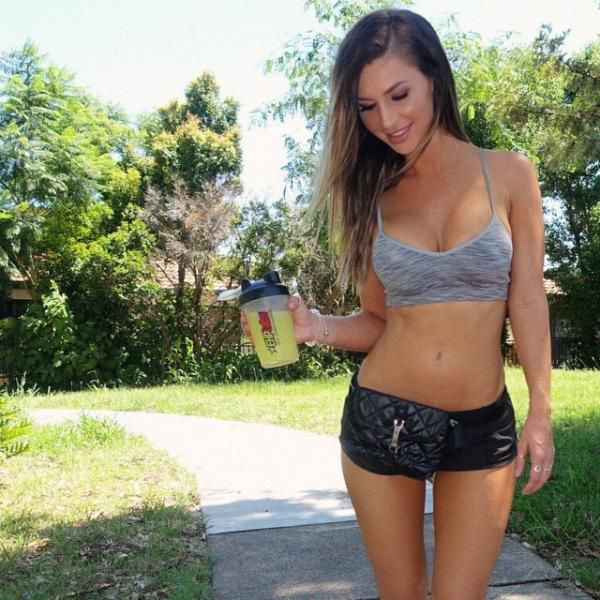 It's So Sexy When A Girl Takes Care Of Her Body (54 pics)