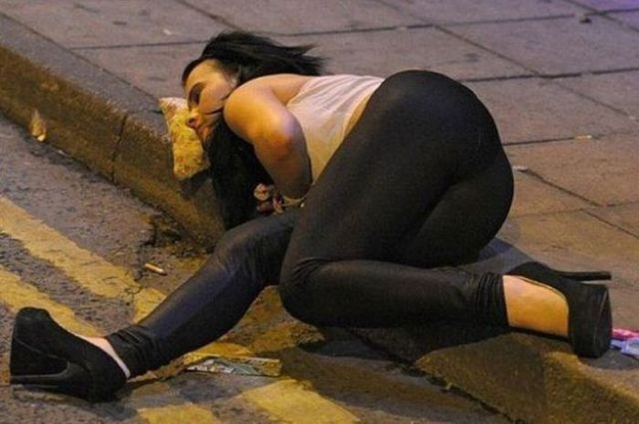 Epic Moments In Time Made Possible Thanks To Alcohol (45 pics)