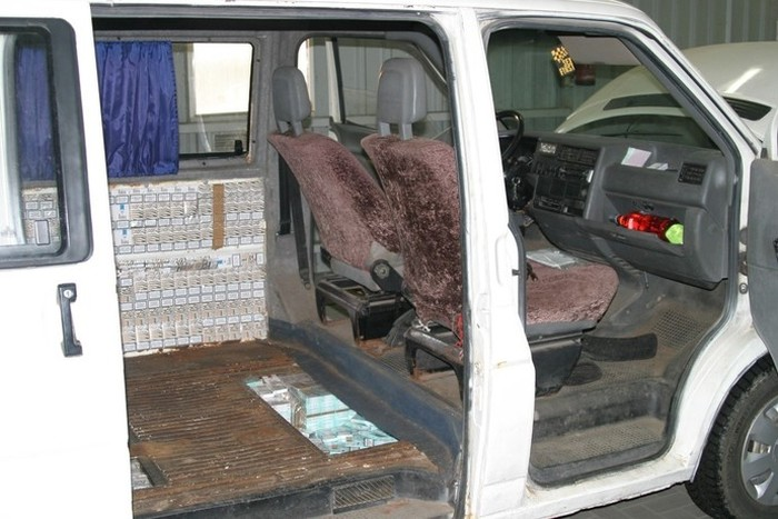 Cigarette Smugglers Get Busted In Poland (23 pics)