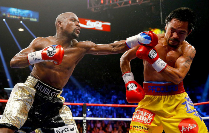 Floyd Mayweather Wins One Of The Biggest Boxing Matches In History (12 pics)