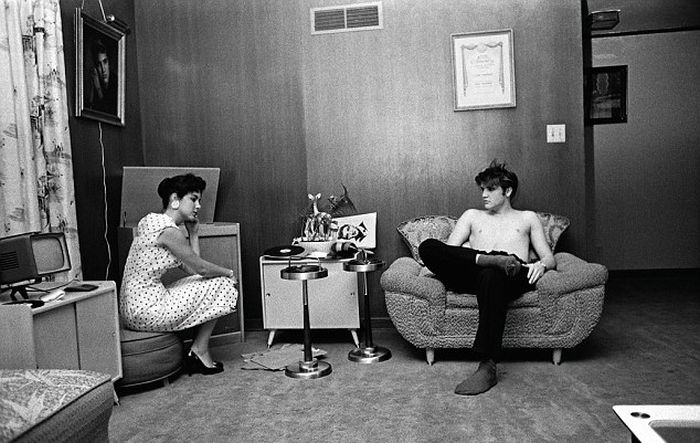 A Look At Elvis Presley's Life Before He Became An Icon (6 pics)