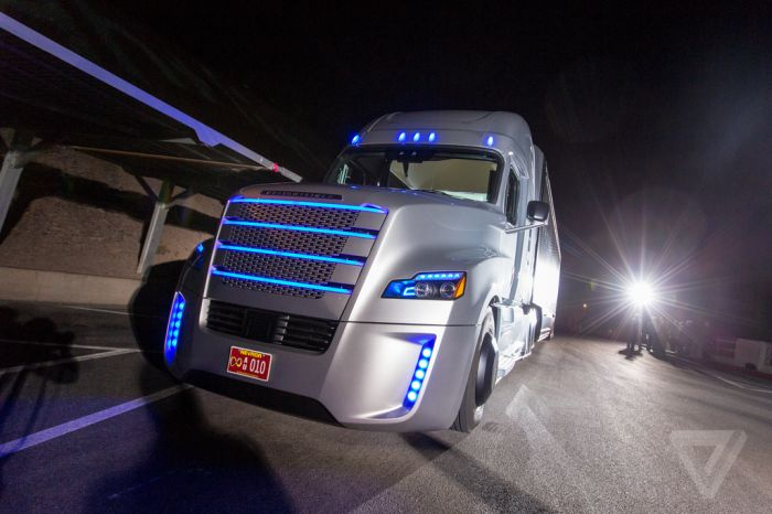 This Big Rig Is Road Legal And It Can Drive Itself (15 pics)