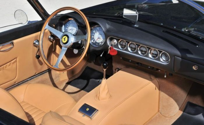 Rare Ferrari 250GT California Spider Is Worth A Lot Of Money (11 pics)