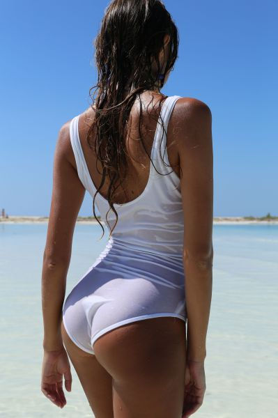 These Bootylicious Babes Are Happy To Show Off Their Butts (61 pics)