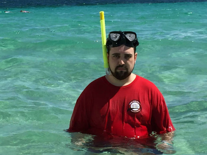 Sad Vacation Man Finally Gets The Vacation He Dreamed About (28 pics)
