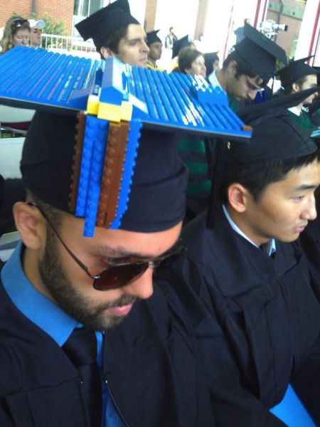 Graduation Caps That Tell It Like It Is (15 pics)