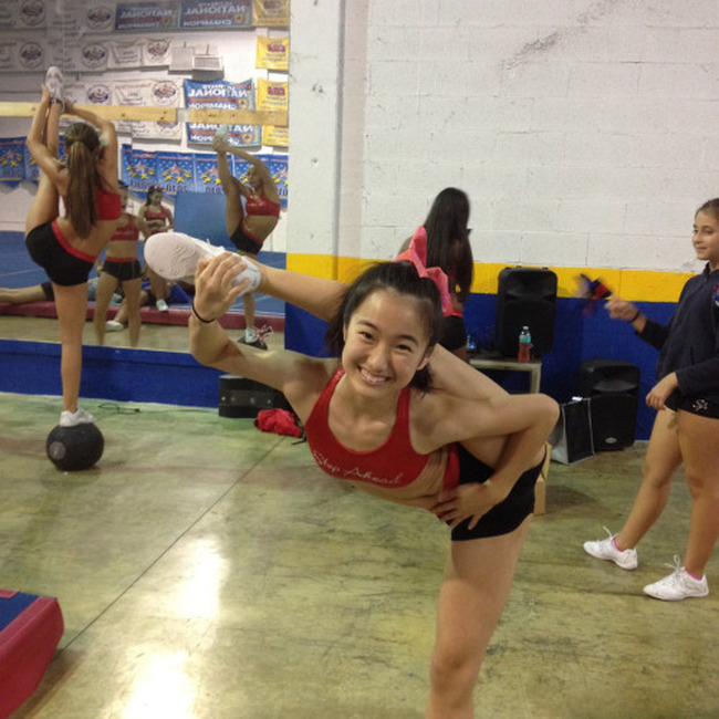 These People Are So Flexible It Almost Hurts To Look At Them (20 pics)