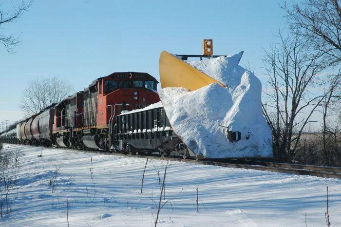 These Are The Coolest Snowplow Trains On The Planet (19 pics)