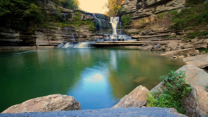 These Are The Top 10 Swimming Holes In The United States (10 pics)