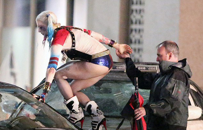 Will Smith And Margot Robbie Get Wet On The Set Of Suicide Squad (14 pics)