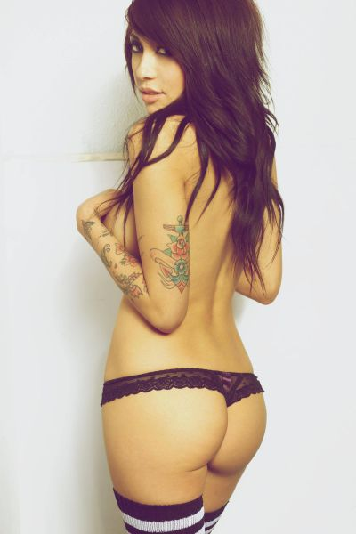 Hot Girls And Tattoos Just Go So Well Together (53 pics)