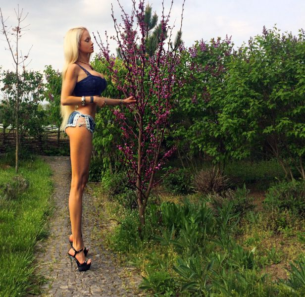 It's Scary How Much This Woman Looks Like A Real Life Barbie Doll (17 pics)