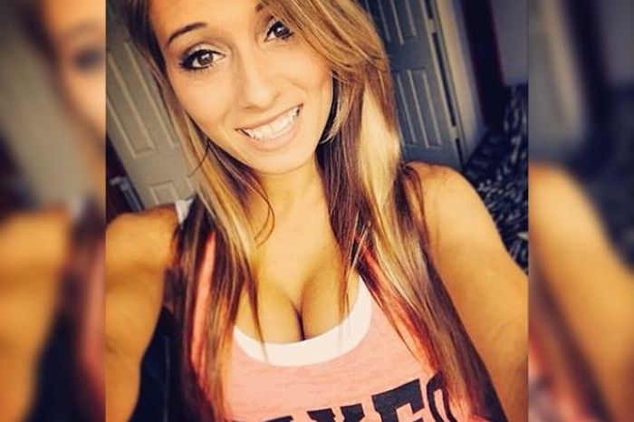 Girls With Dimples Have The Most Beautiful Smiles (29 pics)