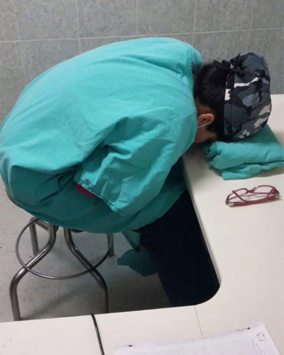 Doctors Post Pics Defending Med Residents Caught Sleeping (15 pics)