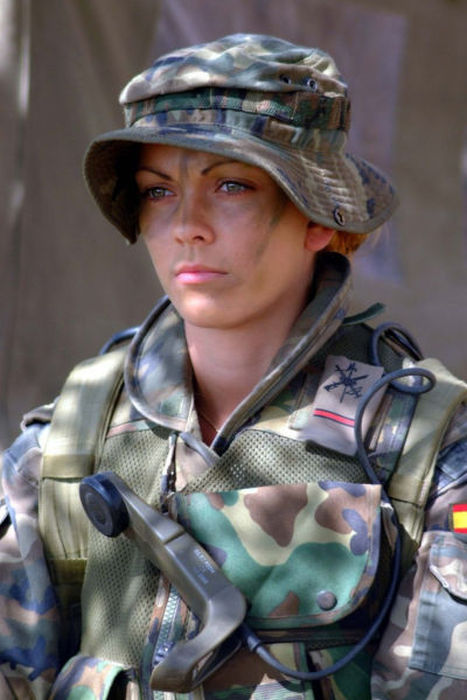 Gorgeous Army Girls Decked Out In Combat Gear And Ready For A Fight (77 pics)