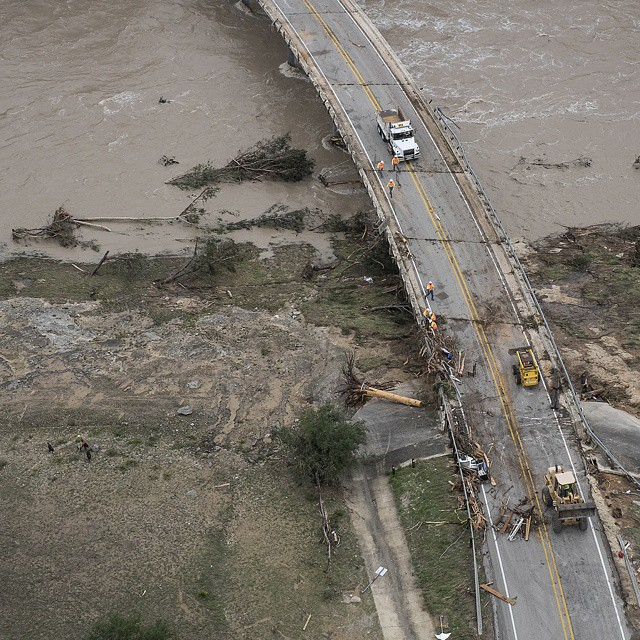 Devastating Floods And Tornadoes Roll Through Texas And Oklahoma (18 pics)