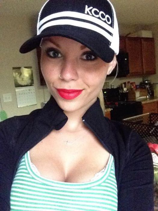 Girls With Red Lips That Have Mastered The Art Of Seduction (40 pics)