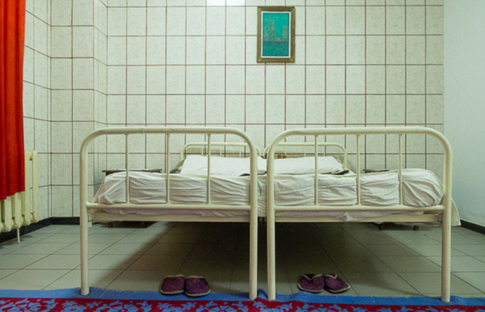 Rooms Where Romanian Prison Inmates Have Conjugal Visits (20 pics)
