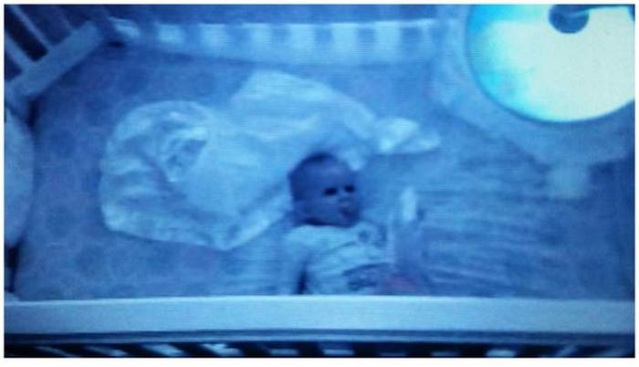 Sometimes Baby Monitors Capture The Creepiest Moments (13 pics)