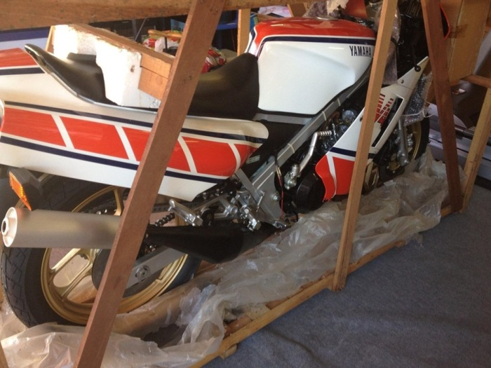 A 1985 Yamaha RZ500N Was Found Still In Mint Condition (12 pics)