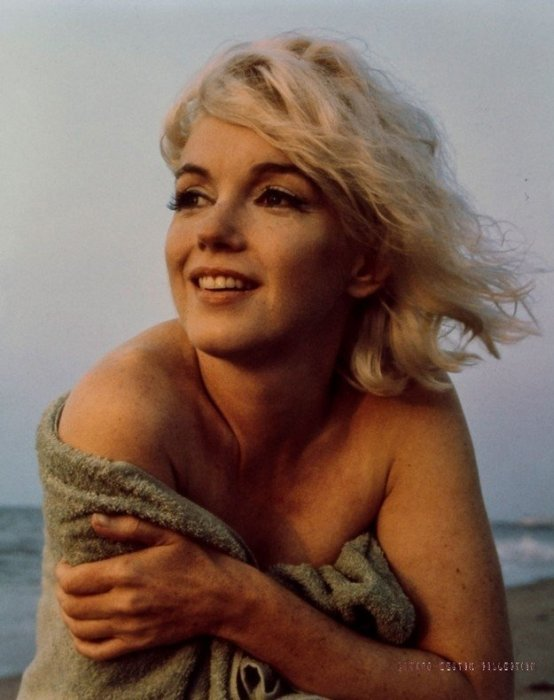 Vintage Pictures From Marilyn Monroe's Last Photo Shoot (8 pics)