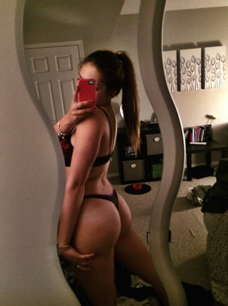 There's Nothing Better Than A Hot Babe With A Beautiful Booty (46 pics)