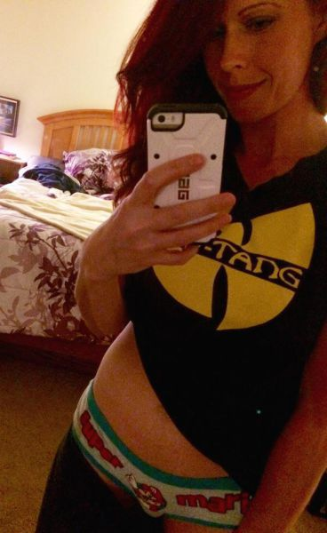 There's Just Something So Hot About Geeky Girls (38 pics)