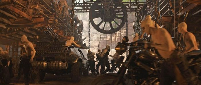 An Inside Look At The Visual Effects Of Mad Max: Fury Road (26 pics)