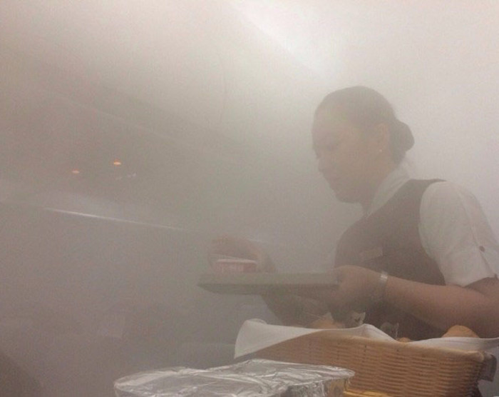 Airplane Cabin Turns Into A Sauna As It Becomes Engulfed In Steam (9 pics)
